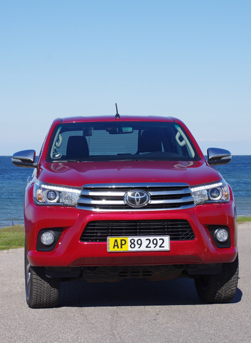 Biltest  Toyota Hilux Double Cab 2 4 D